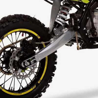 125R Spec: Extended Swing Arm