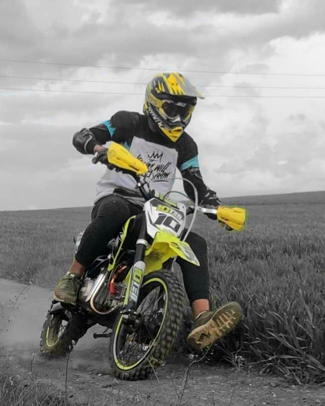 10Ten 140R riding photo